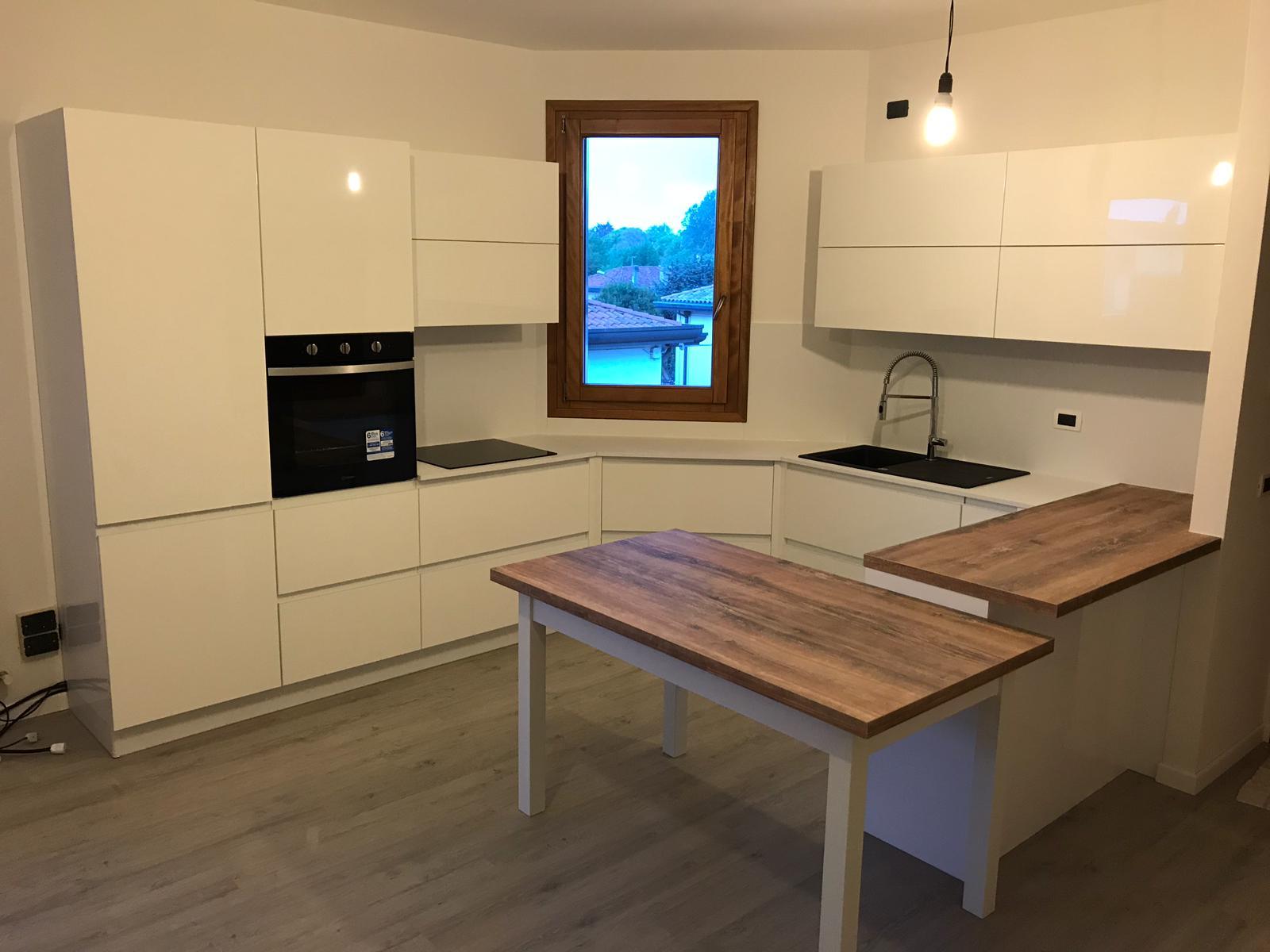 Cucina Laccato bianco lucido
